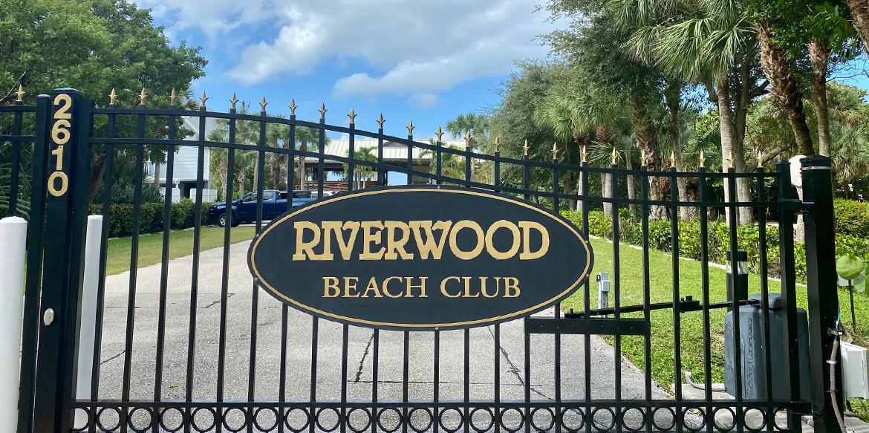 Home www.riverwoodbeachclub.org